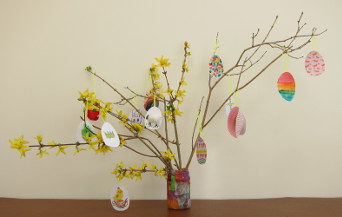 Easter tree before